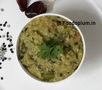 Dal Khichadi Recipe in Pressure Cooker