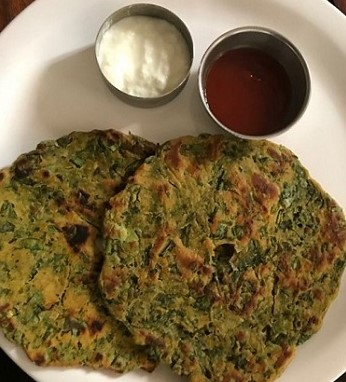 Palak Thalipeeth Recipe