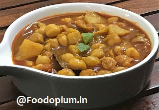 Chana Aloo Curry (Chickpea and Potato Curry)